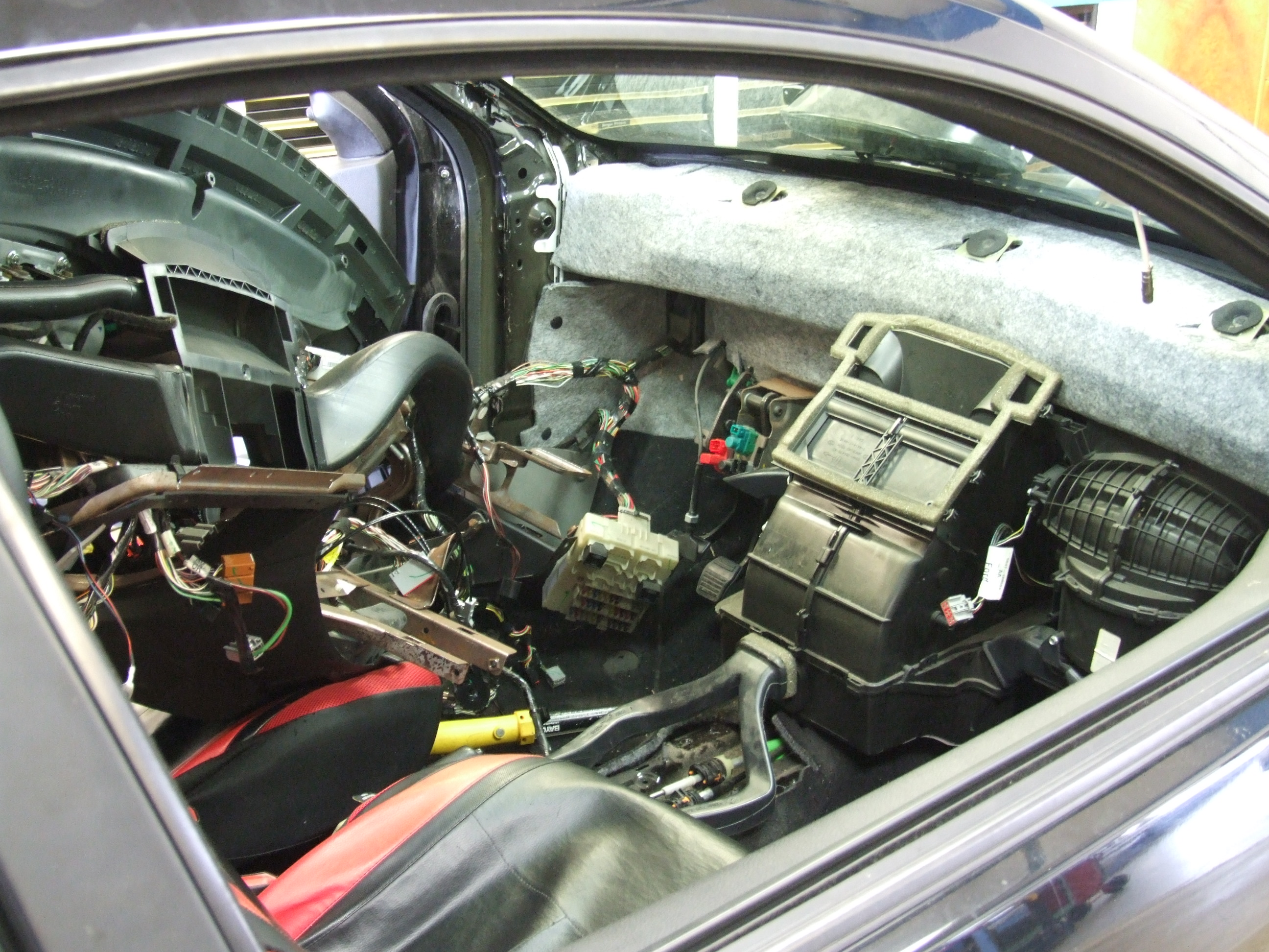 Ford Focus with dash removed